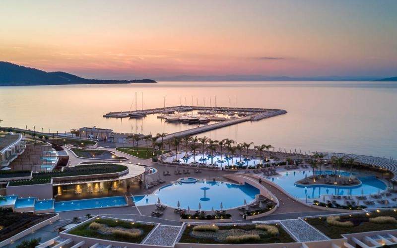 Halkidiki is changing era: The first seaplanes are coming to a 5-star hotel!